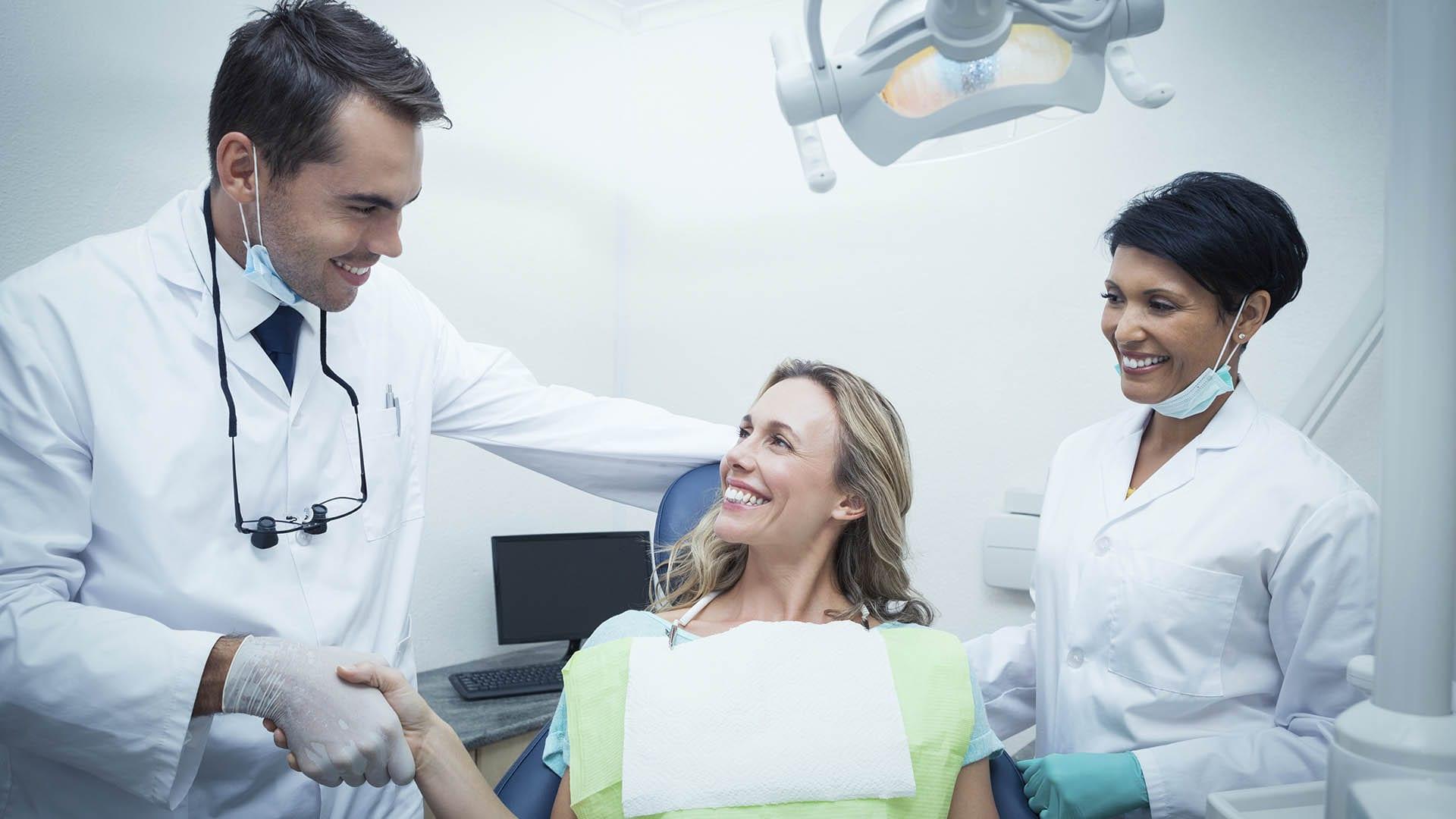 chirurgien dentiste en liberal